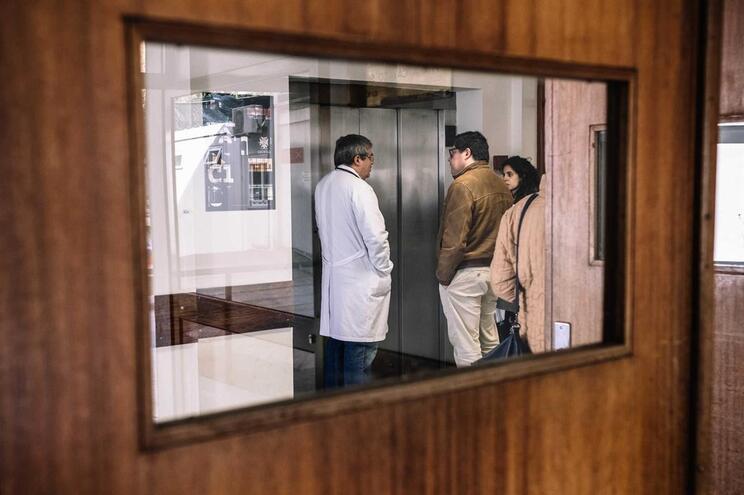 Pais denunciam problemas na ala pediátrica do Hospital de S. João