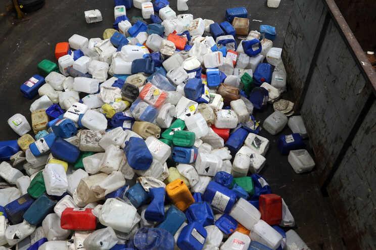 Projeto-piloto da Maia coloca famílias a pagar menos lixo se reciclarem mais