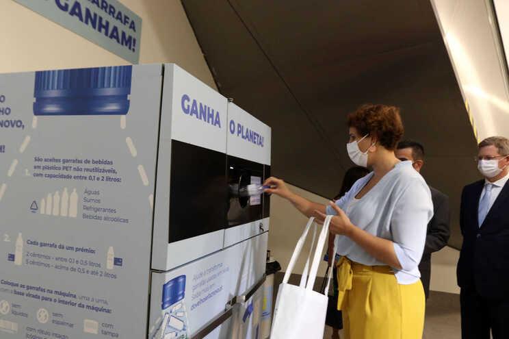 Portugal tem um projeto-piloto para devolução de embalagens de bebidas em plástico