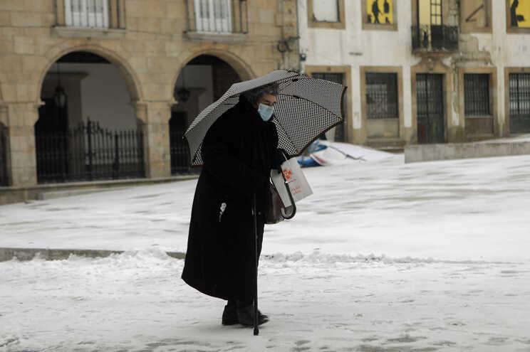 Neve cobre a cidade da Guarda, 9 de janeiro de 202