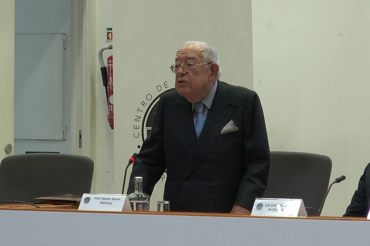 Pedro Soares Martinez nasceu em Lisboa em 1925