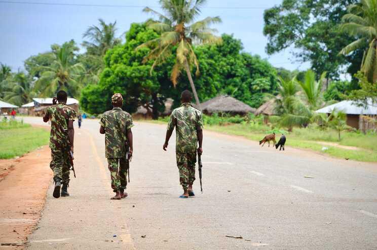 A formação, a ser feita em Moçambique, vai abranger as forças de intervenção rápida, forças especiais