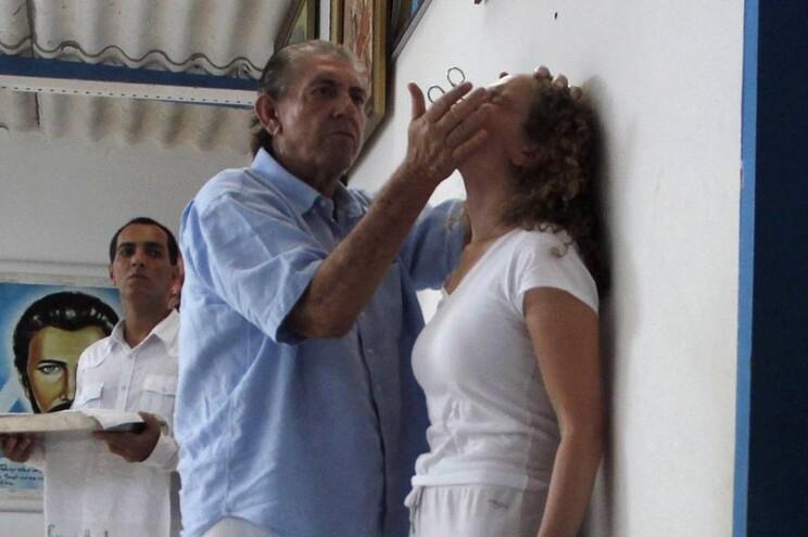 """""""João de Deus""""foi denunciado por pelo menos 335 mulheres do Brasil, incluindo a própria filha"""