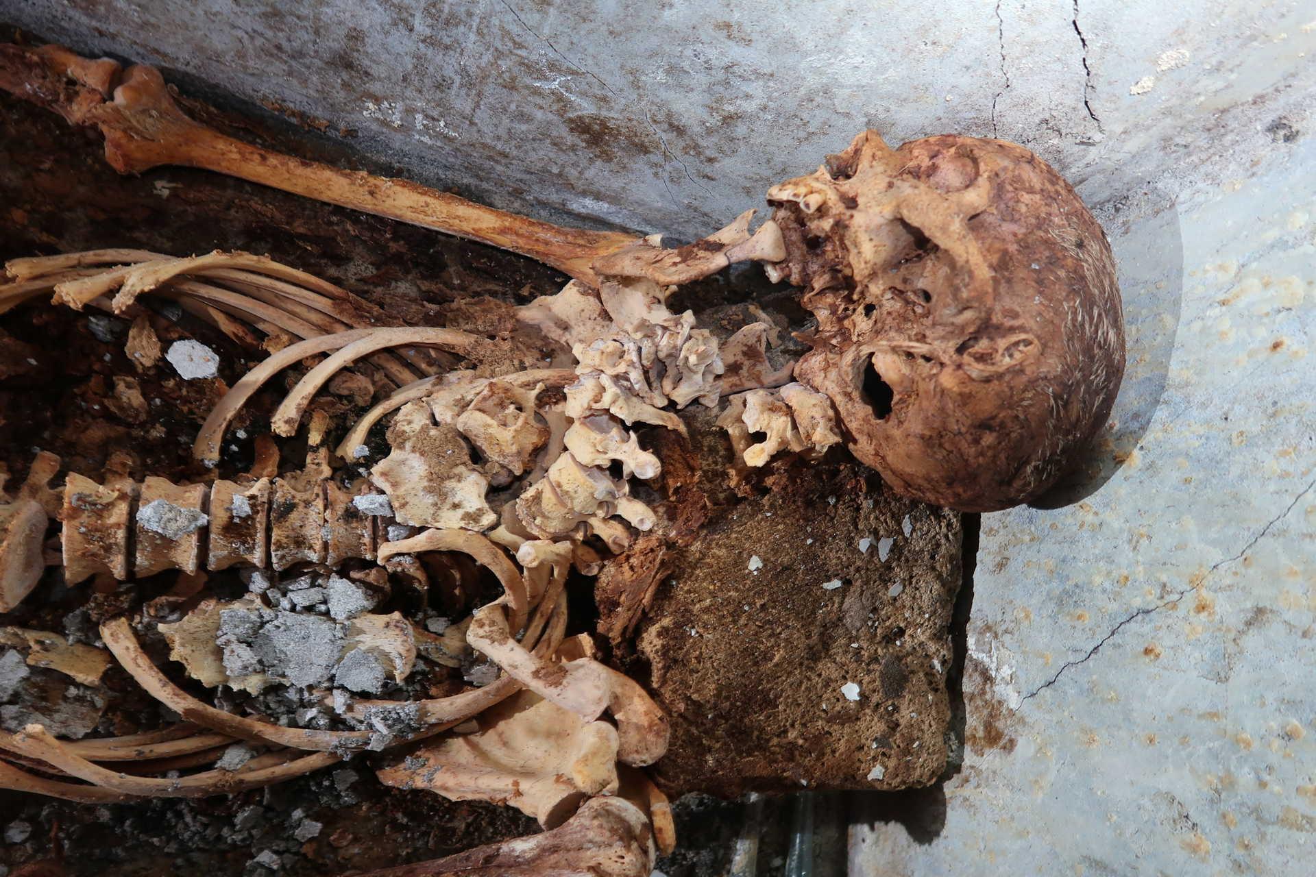 O facto de ter sido enterrado num túmulo prova que Secundio alcançou uma boa posição social e económica