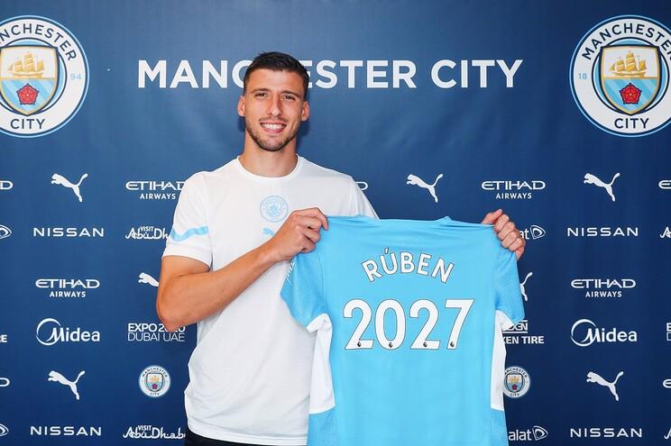 Rúben Dias foi transferido para o Manchester City na época passada