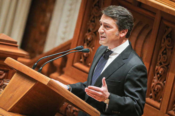 André Coelho Lima, do PSD, quer que António Costa trave reforma anunciada do SEF
