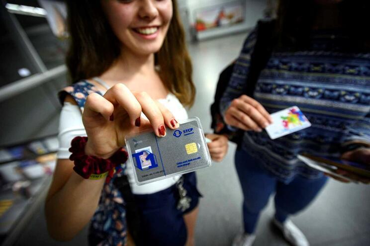 Mais de 2300 jovens entre os 13 e 15 anos com passe gratuito no Porto