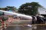 Autoridades travam protestos em Myanmar com balas de borracha, gás lacrimogéneo e canhões de água