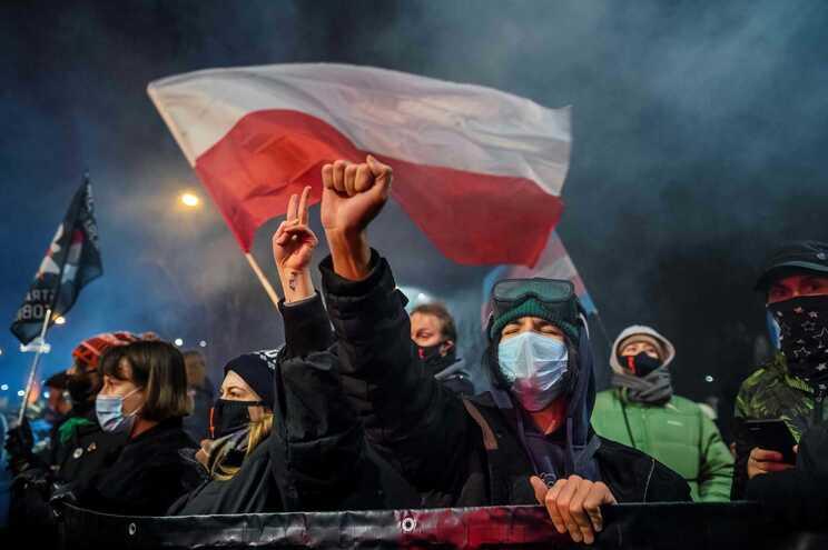 Entrou em vigor a nova lei do aborto na Polónia