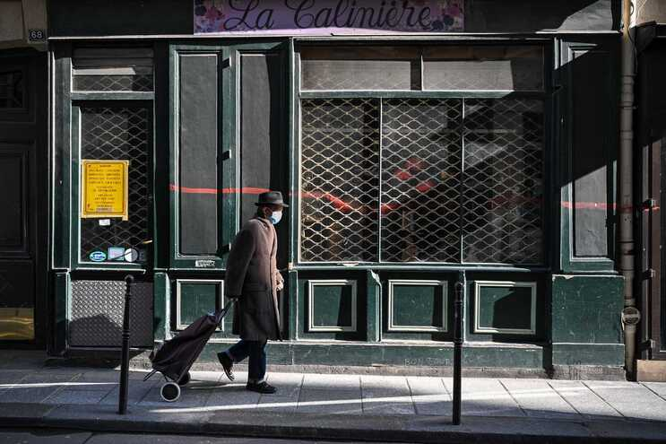 Governo francês aumentou as restrições em 16 departamentos, que estão confinados