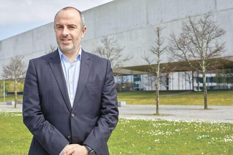 Cabeça de lista à Câmara do Porto não esquece a vertente europeísta do seu partido, o Volt