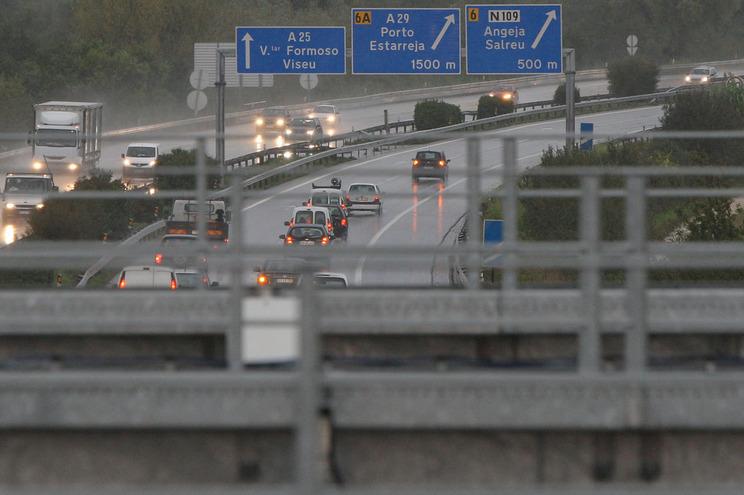 Desfalque na Estradas de Portugal não dá prisão