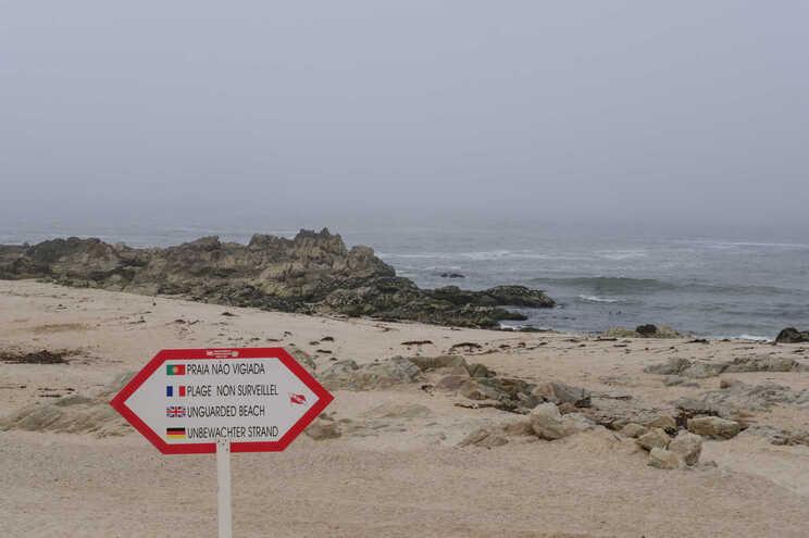 Praia de Mindelo em Vila do Conde interdita a banhos