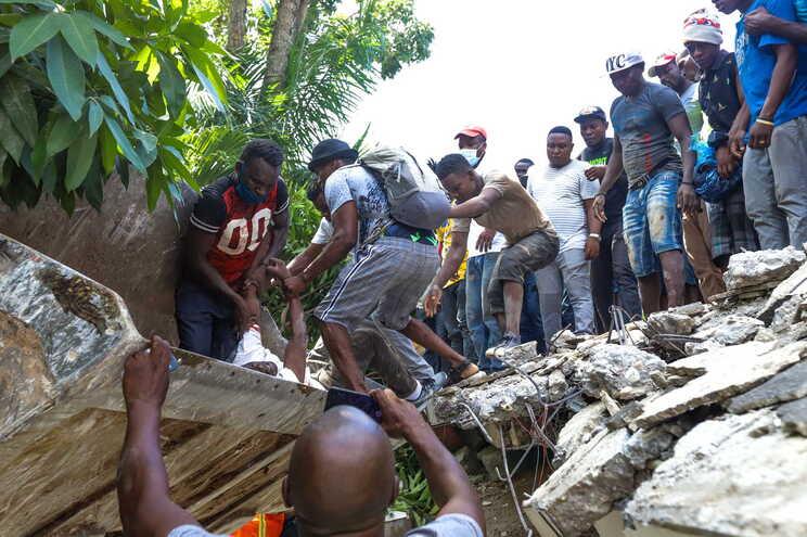 O Haiti foi atingido por um sismo de 7,2