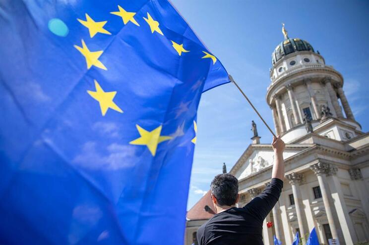 """Fim da UE até 2040 é """"possibilidade realista"""" para maioria dos europeus"""