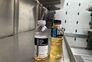 """A """"Motherboard"""" divulgou uma imagem partilhada por um motorista da Amazon que urina para garrafas"""