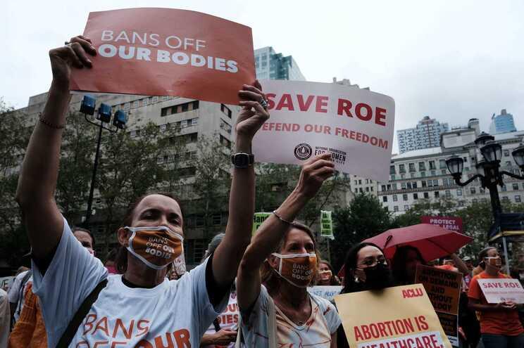 Departamento de Justiça dos EUA processa Texas por lei que proíbe maioria dos abortos