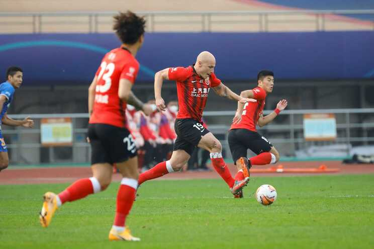 Shanghai SIPG, de Vítor Pereira, termina Liga chinesa no quarto lugar