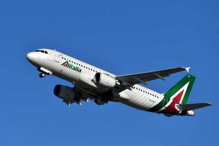 A intenção do Executivo é que a nova Alitalia esteja operacional a partir do próximo mês de junho