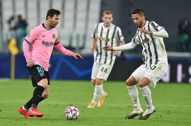 Lionel Messi fez o 2-0 à Juventus de penálti