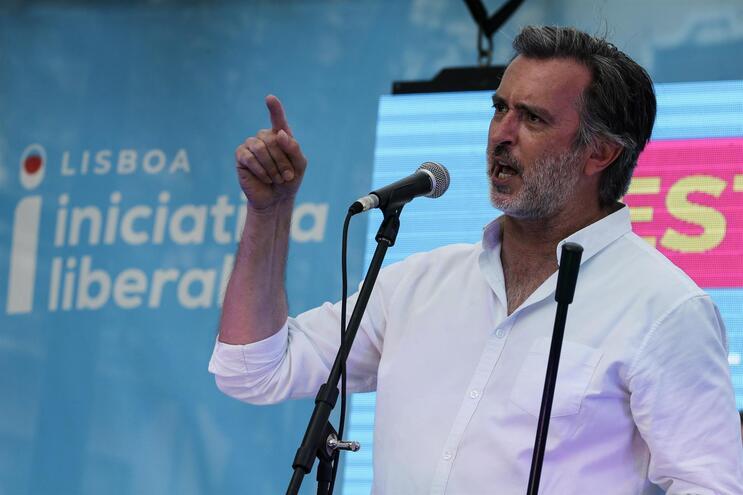 IL quer prisão para políticos com declarações de rendimentos incorretas