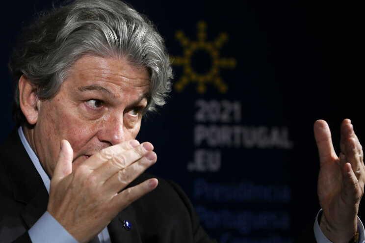 O comissário europeu para o Mercado Interno, Thierry Breton, prevê que a Europa alcance a imunidade coletiva