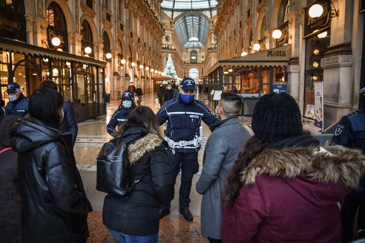 Governo italiano prepara-se para decretar novas restrições para as semanas do natal e Ano Novo