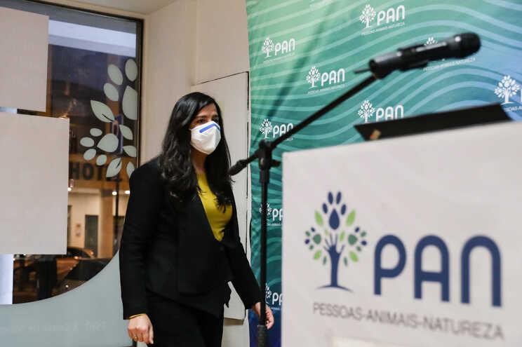 A líder parlamentar do partido Pessoas-Animais-Natureza (PAN), Inês Sousa Real