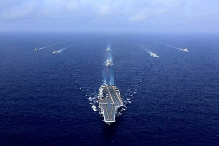 China iniciou exercícios navais com o porta-aviões Liaoning perto de Taiwan