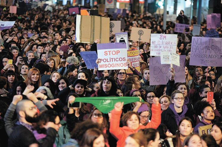 """Dia Internacional da Mulher costumava ser pretexto para que as ruas de Madrid fossem """"invadidas"""" por"""