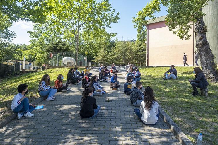 Na EB 2,3 de Sande, as aulas com o mentor Gonçalo são fora da caixa e trabalham o autoconhecimento