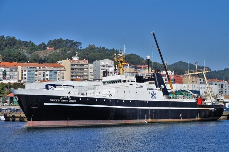 """O """"Princesa Santa Joana"""", a outra embarcação lusa que se encontra ancorada na baía de Conception"""