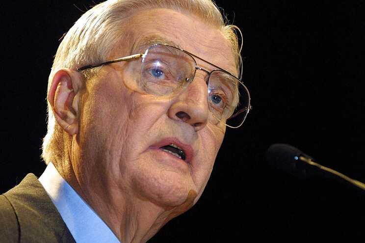 Morreu, aos 93 anos, o antigo vice-presidente norte-americano Walter Mondale