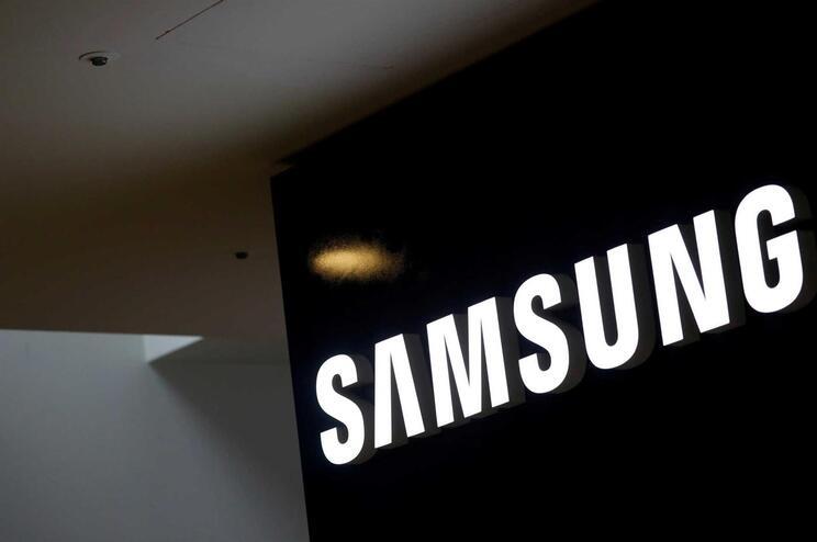"""Samsung encerra produção de """"smartphones"""" na China para se retirar do país"""