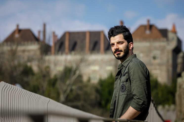 Esmaeil Ajjan, refugiado sírio em Guimarães há quatro anos. Trabalha, tem casa e quer formar família