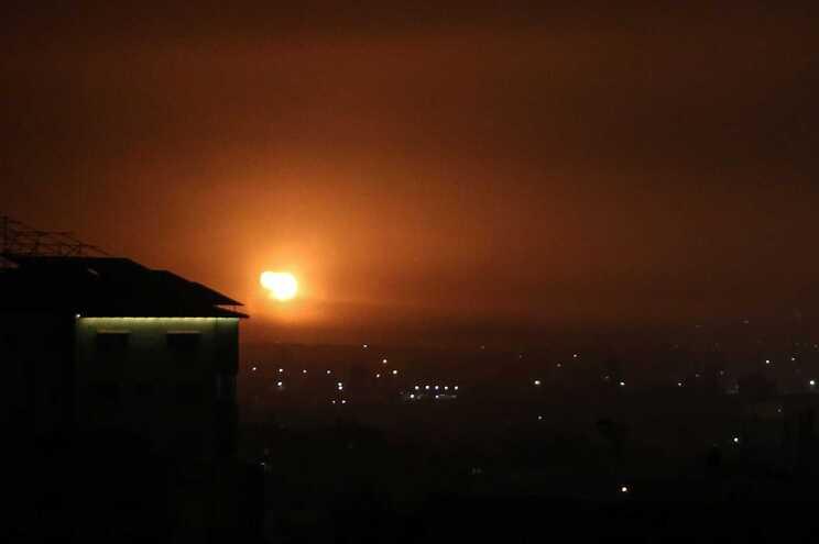 Aviões israelitas bombardearam alvos do Hamas em Gaza