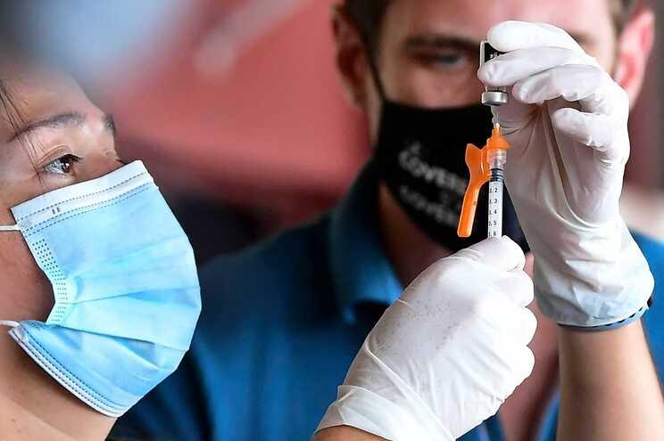Organismos europeus reiteram importância da vacinação para controlar pandemia