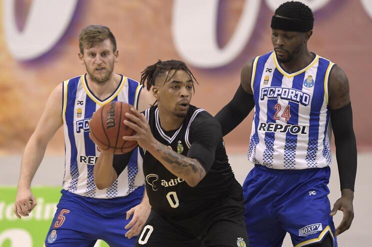 O Sporting venceu o F. C. Porto