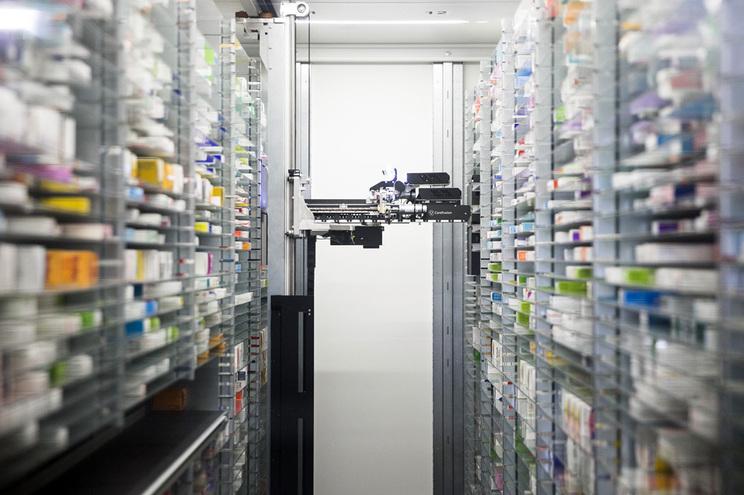 Farmácias pedem intervenção na falta de medicamentos