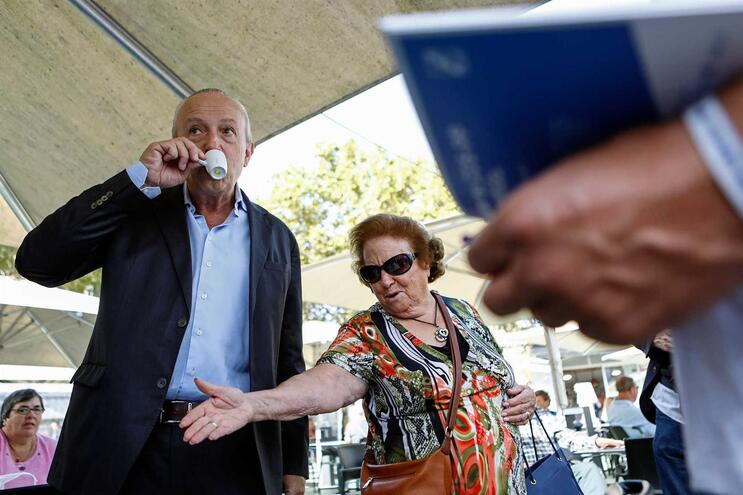 Santana Lopes em campanha