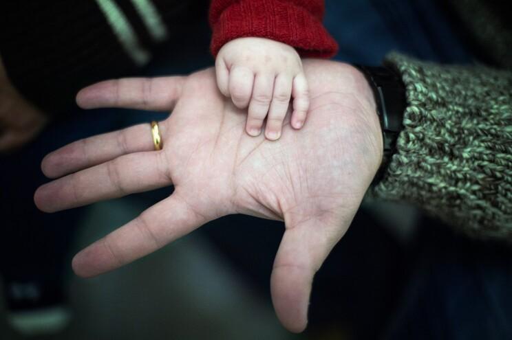 O subsídio parental alargado é um apoio dado aos pais por um período até três meses