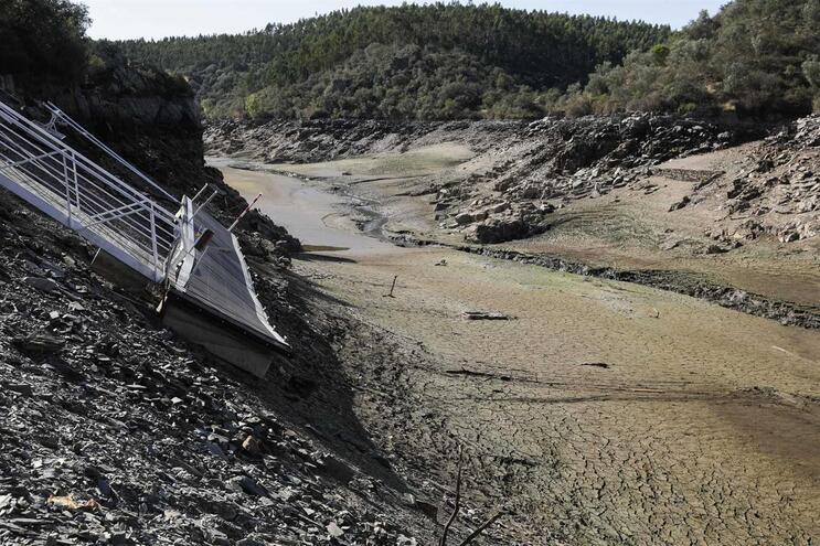 Espanha reconhece problema com caudal do Tejo apesar de respeito por acordos