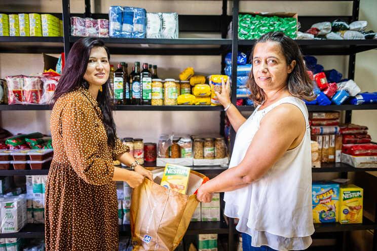Vales para a aquisição de alimentos em Paredes de Coura também ajudam comércio local