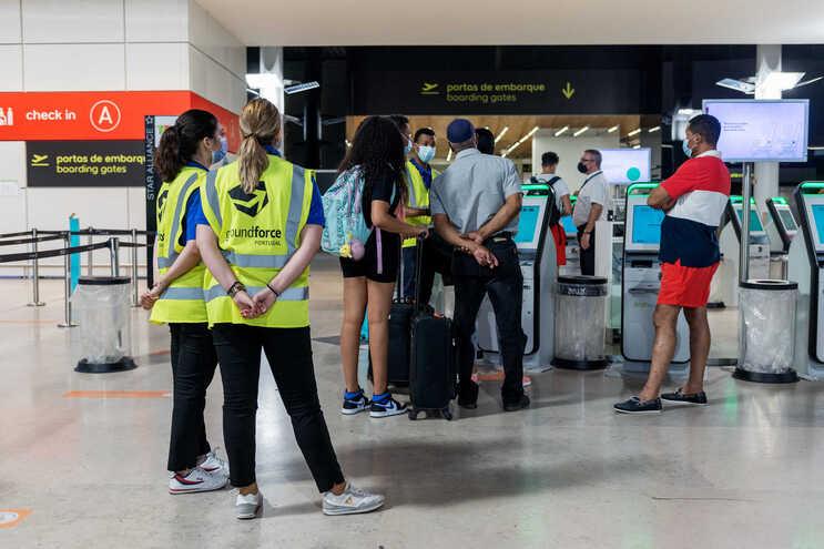 Greve da GroundForce levou ao cancelamento de centenas de voos em dois dias   (André Luís Alves / Global