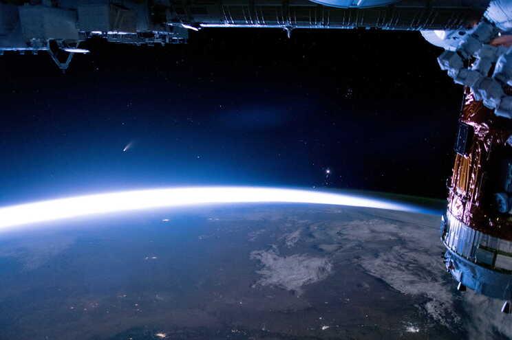 No mês passado, enquanto procurava asteroides potencialmente perigosos em rota de aproximação à Terra
