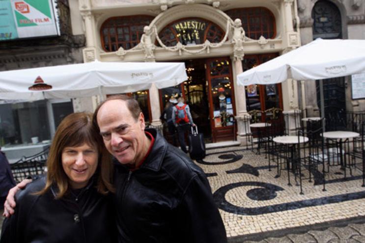 O casal americano, Sharon e Frederik, já tinham vindo a Portugal, mas só agora conheceram o Porto