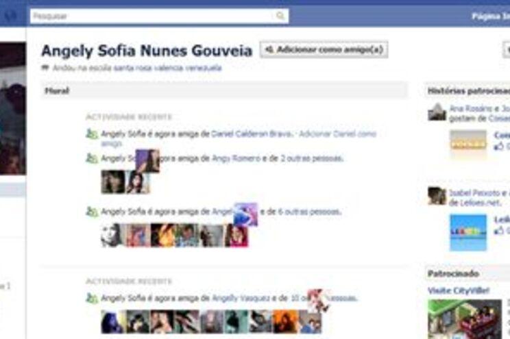 No perfil do Facebook, Angely revela que sabia que estava perdida da família, mas que não se lembra de