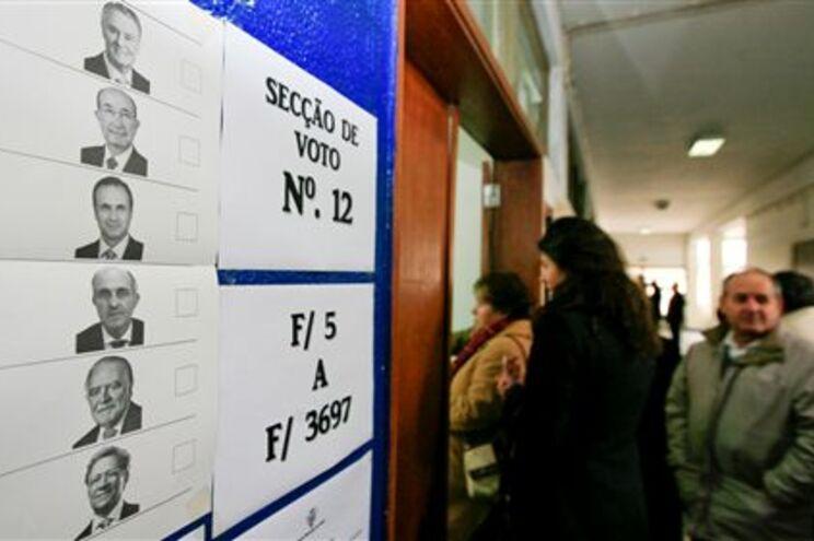 """Secretária de Estado revogou """"oralmente"""" ordem para notificar eleitores"""