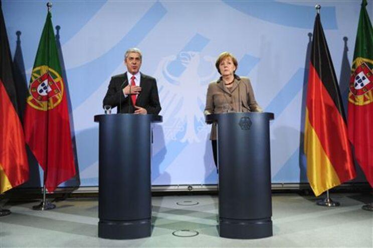 Merkel diz que reformas de Portugal devem continuar