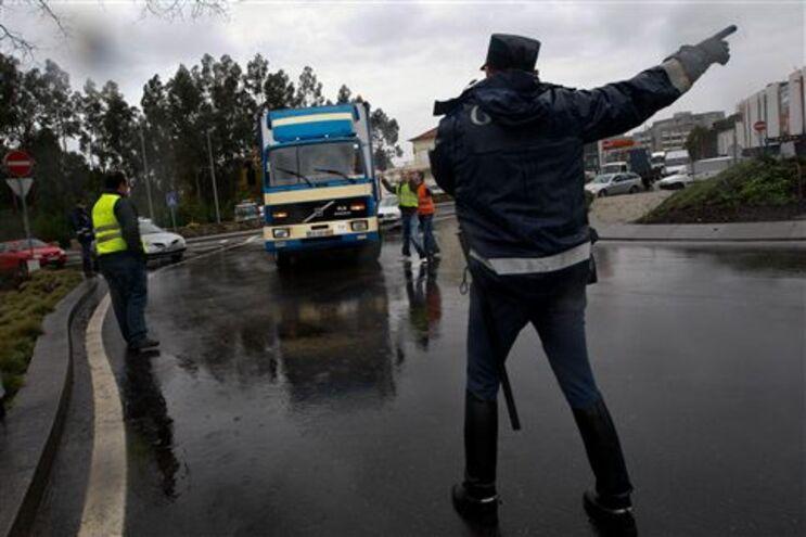 Protestos decorrem em vários pontos do país